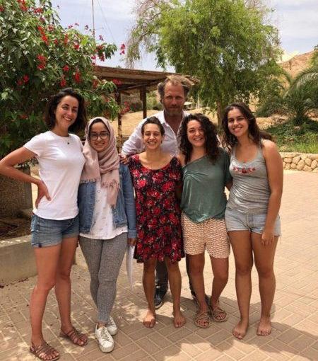 Etudiants de l'Arava Institute dans le désert du Néguev