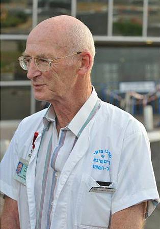 Le Professeur Raphaël Walden, médecin spécialiste en chirurgie vasculaire au centre hospitalier Sheba de Ramat Gan, près de Tel-Aviv.