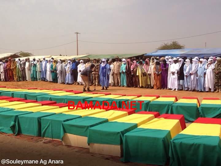 Cercueils de militaires maliens tués dans un attentat jihadiste